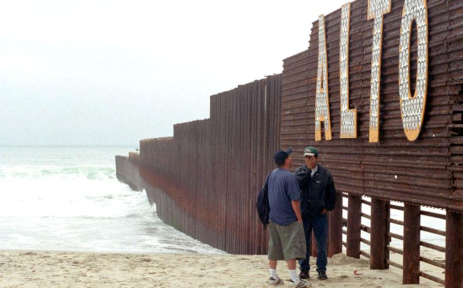 Donald Trump llama animales a algunos inmigrantes ilegales