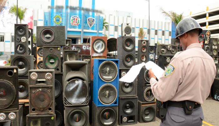 Resultado de imagen para aprueban hasta 36 horas de arresto para vecinos ruidosos