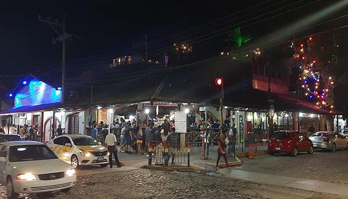 ¡Otra vez se cierran antros y bares en Puerto Vallarta!