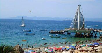 Facultan a municipios a sancionar turistas que no cumplan medidas sanitarias