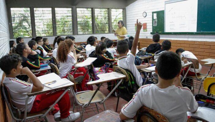 Advierte secretario de educación que las escuelas deben estar abiertas