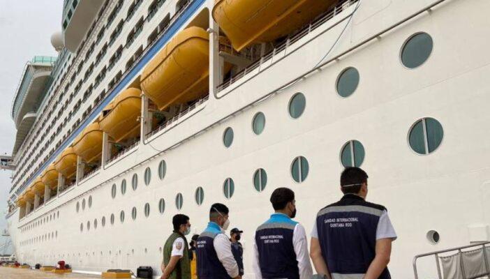 Llega primer crucero con pasajeros a México después de 15 meses