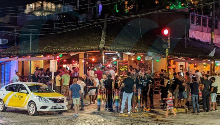 Sí dejaron a los antros y bares operar durante la noche del viernes