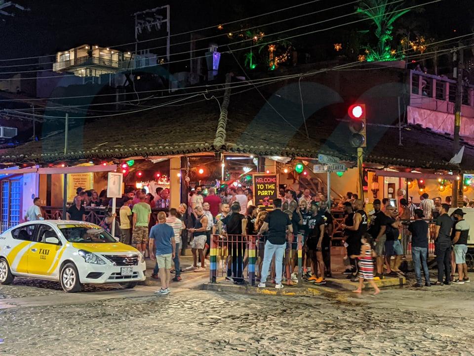 Antros y bares deberían reabrir este miércoles, pero el gobernador no ha dicho nada