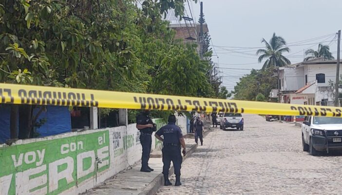 Riña en Ixtapa termina en balazos