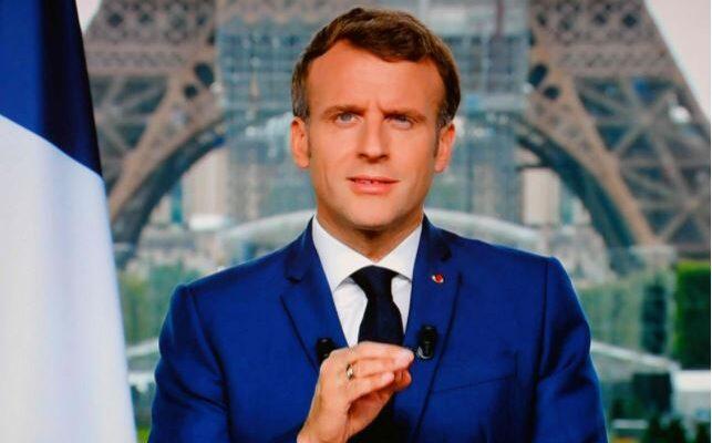 Francia se pone severo contra quienes no quieran vacunarse