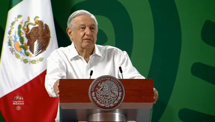 Se compromete AMLO a mandar recursos a Puerto Vallarta