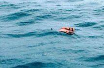 Encuentran a 2 niños venezolanos en altamar, con el cuerpo de su madre