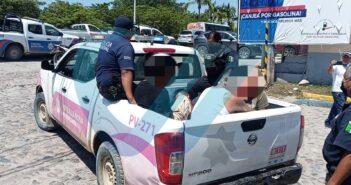 Detienen a presuntos estafadores; habían arrebatado una TDC a un ciudadano