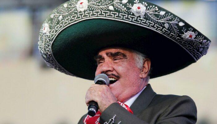 Es falso que haya muerto el cantante Vicente Fernández