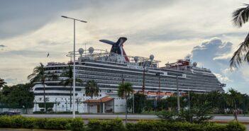 2 cruceros con turistas llegaron a Vallarta en solo 2 días
